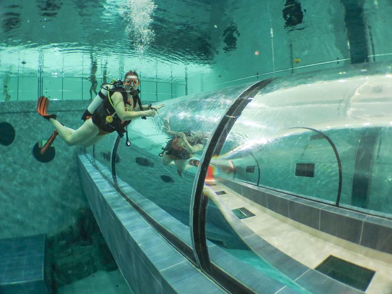 Le couloir sous-marin qui traverse la fosse Y40.