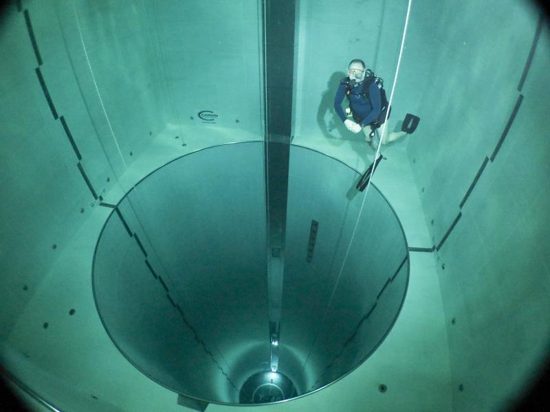 La fosse de plongée Y40 en Italie