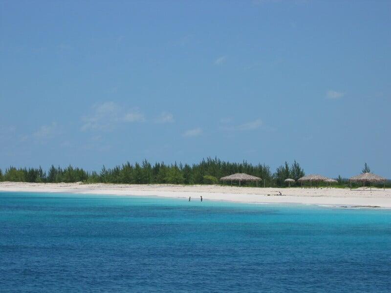 Plage de Bimini aux Bahamas