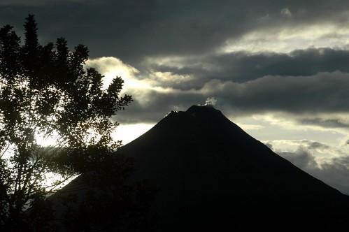 Volcan-Arenal.jpg