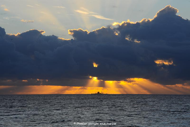 Coucher de soleil lagon Rangiroa