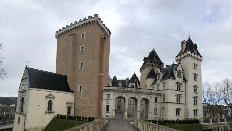La façade est du château de Pau